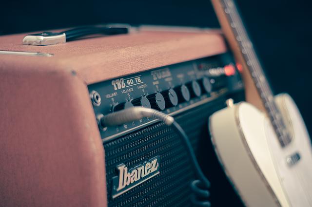 Reparation af guitar forstærkere og udstyr